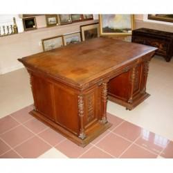 Dwustronne biurko