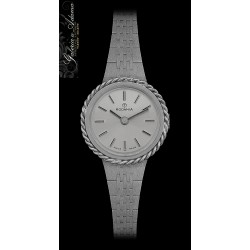 Zegarek damski wykonany w...