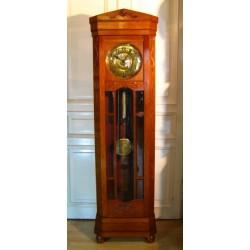 Stojący zegar w stylu Becker